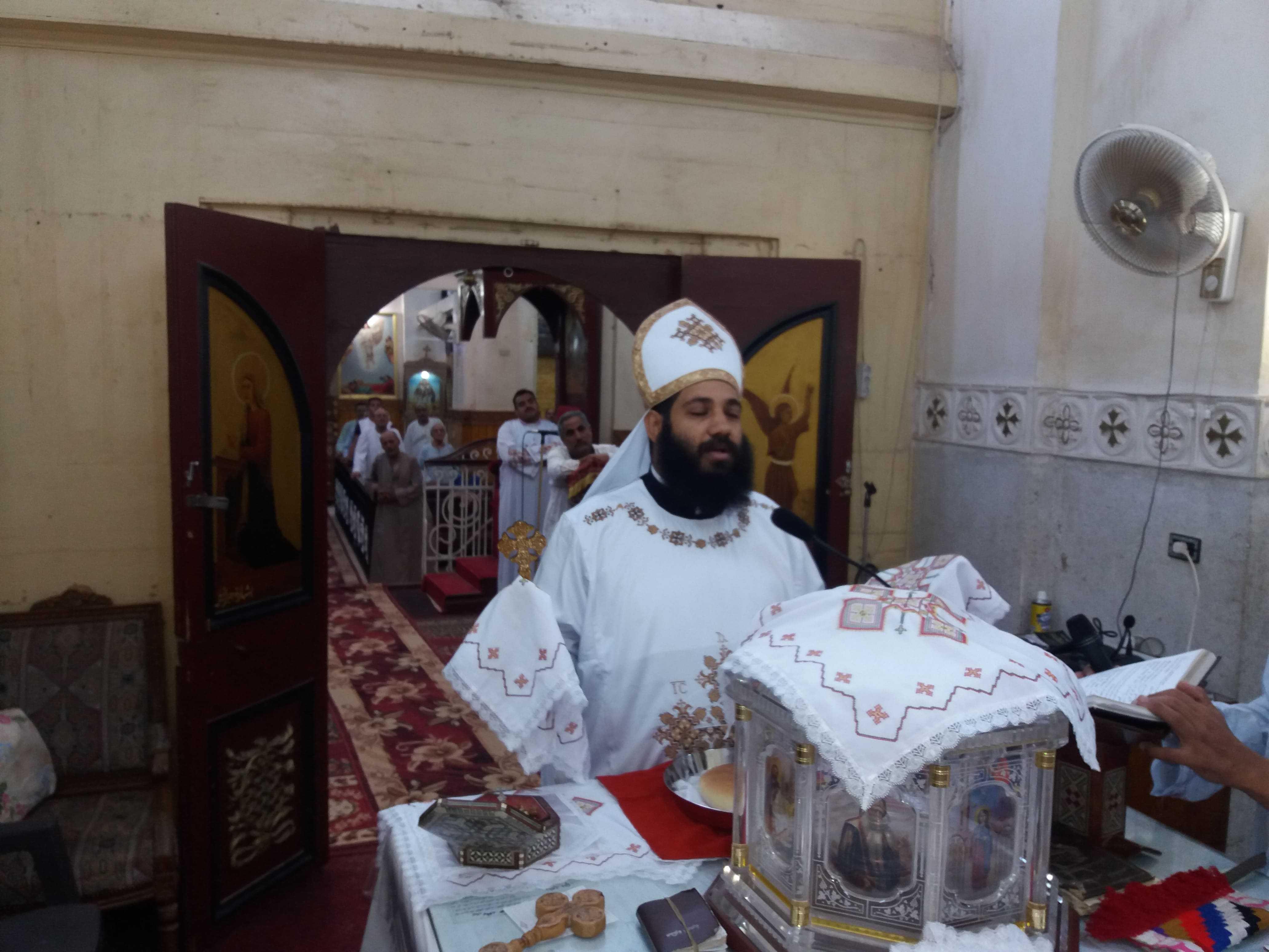 القداس الإلهى للقس فيلبس سعد