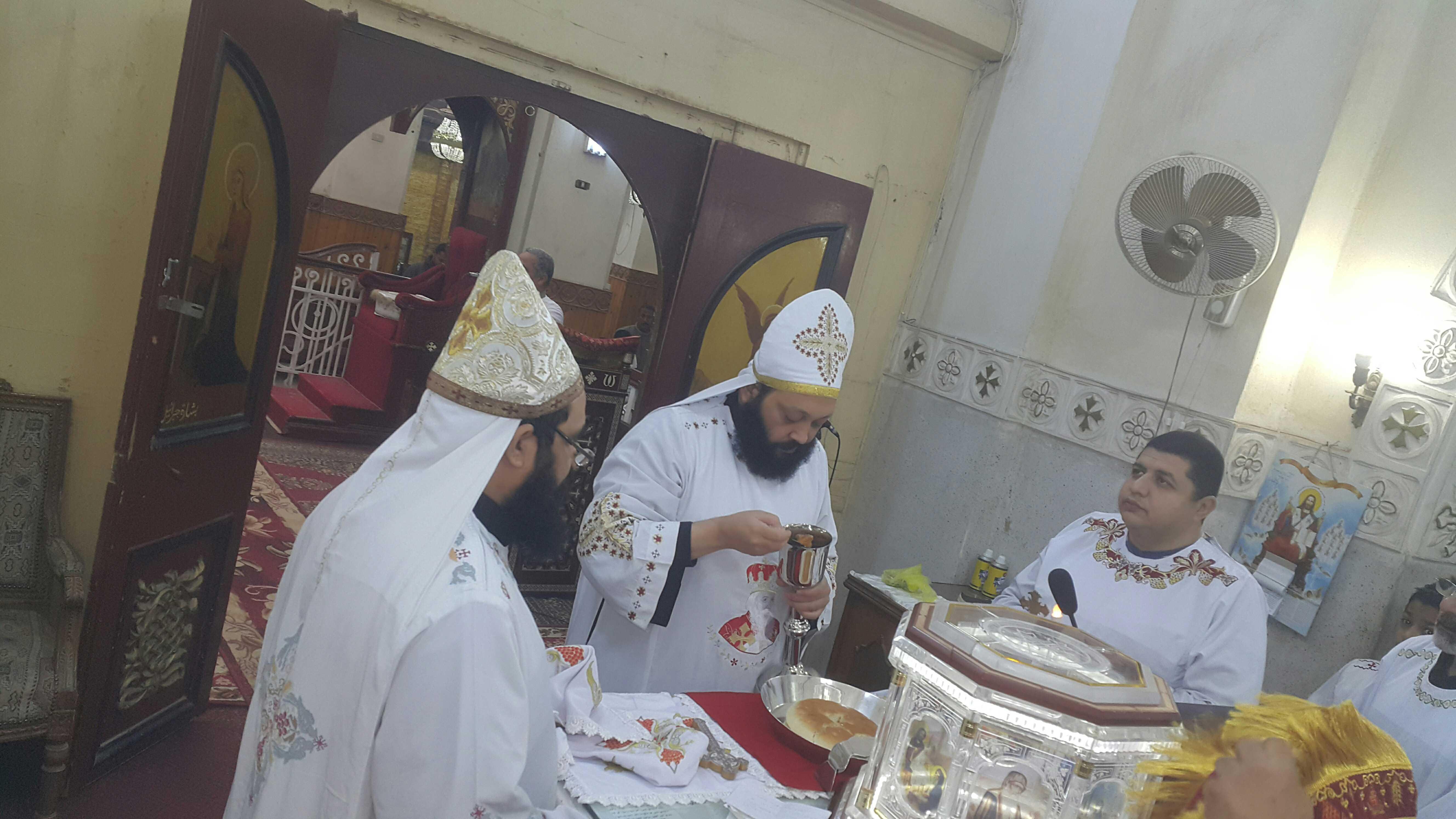 القمص بيشوى حليم فى ضيافة كنيسة الشهيدة دميانة بفاو قبلى